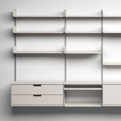 Dieter Rams designs. Modular shelving, 606 Universal Shelving System with drawer cabinets. Made and sold by Vitsœ