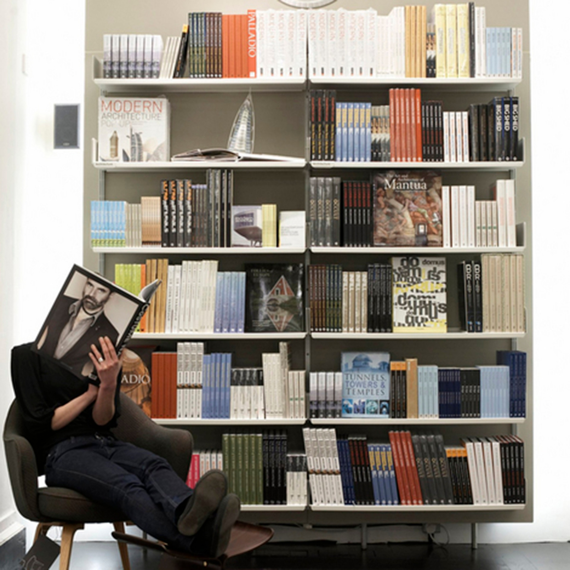 London's Victoria & Albert Museum uses our bookshelves throughout their bookshopImages courtesy of the V&A/Holly Jolliffe