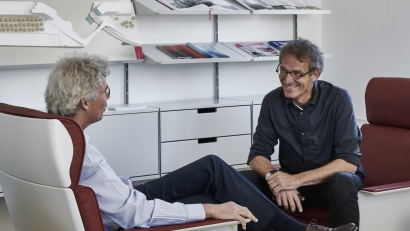 Schneider and Schumacher talking on 620 chairs