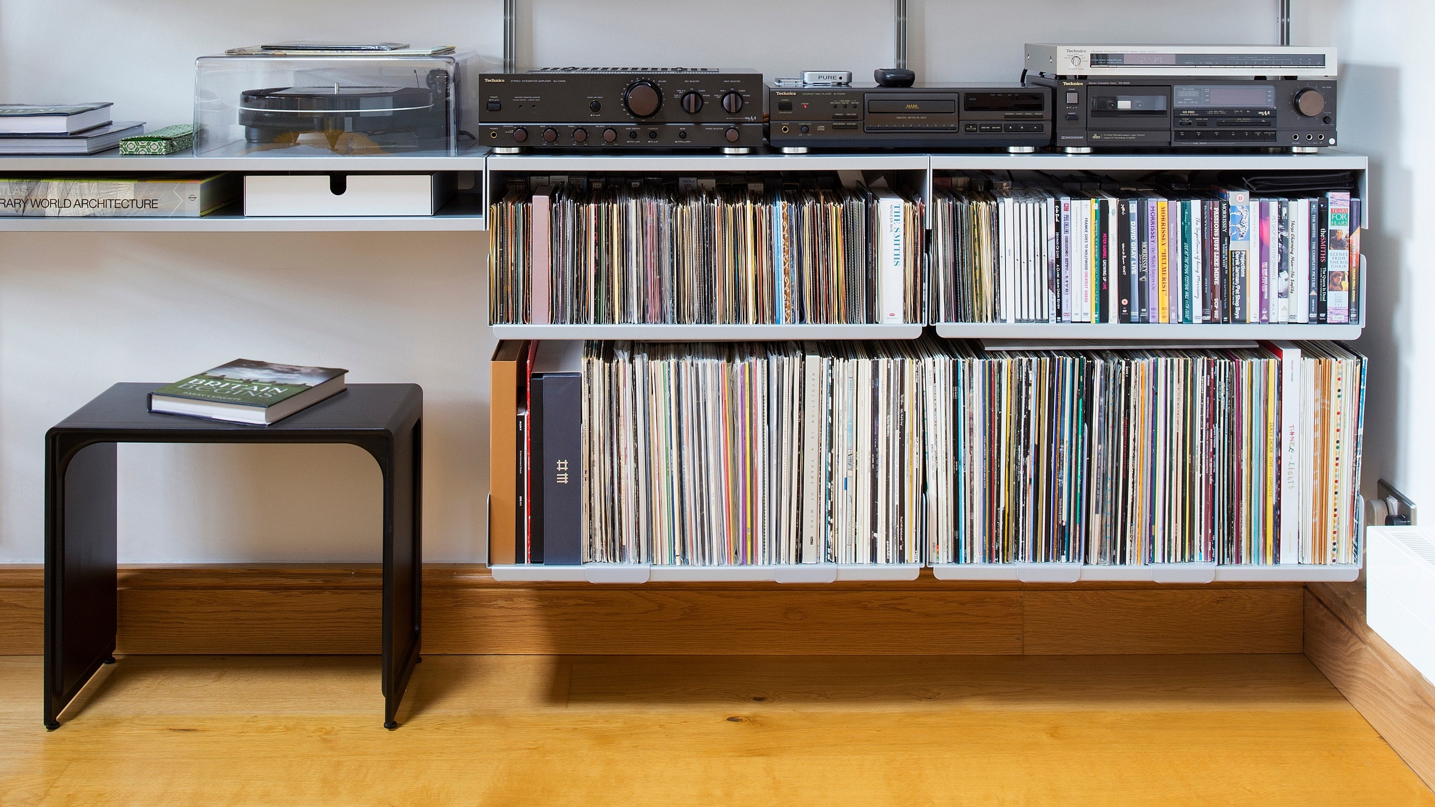 Sitting neatly at home with the 606 Universal Shelving System when not in use