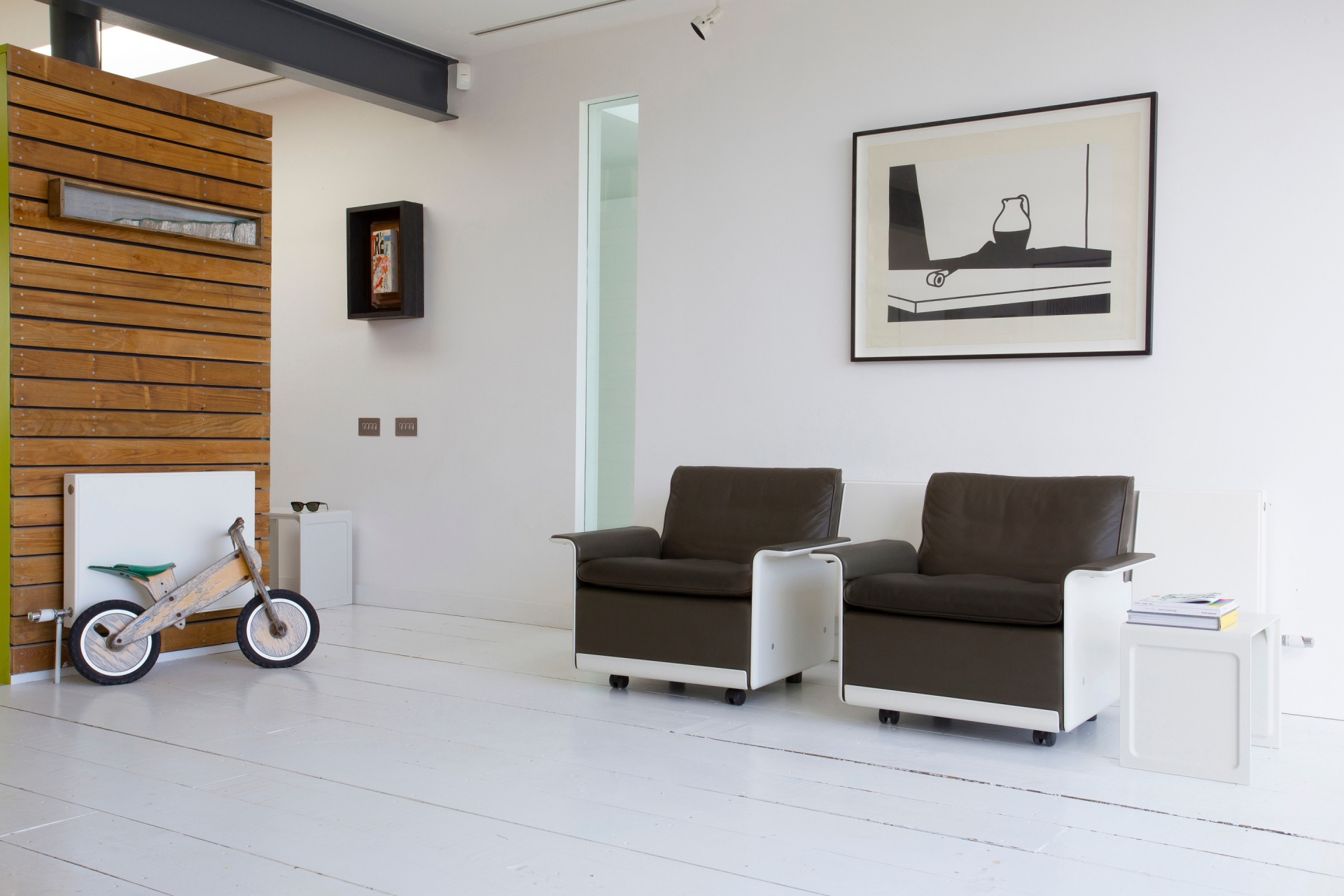 Olive-brown chairs with feet and castors make repositioning your 620 surprisingly easy
