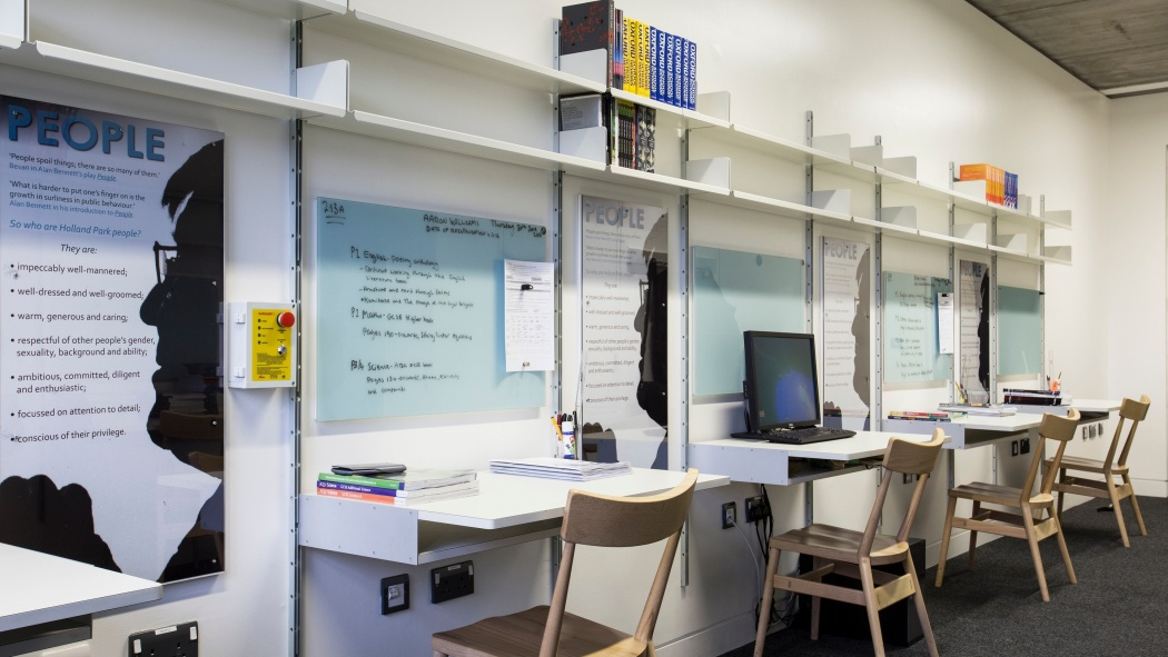 Specifying the 606 Universal Shelving System in a school or office space makes it future proof. Add more desks if necessary, or replace desks with shelves if storage is needed