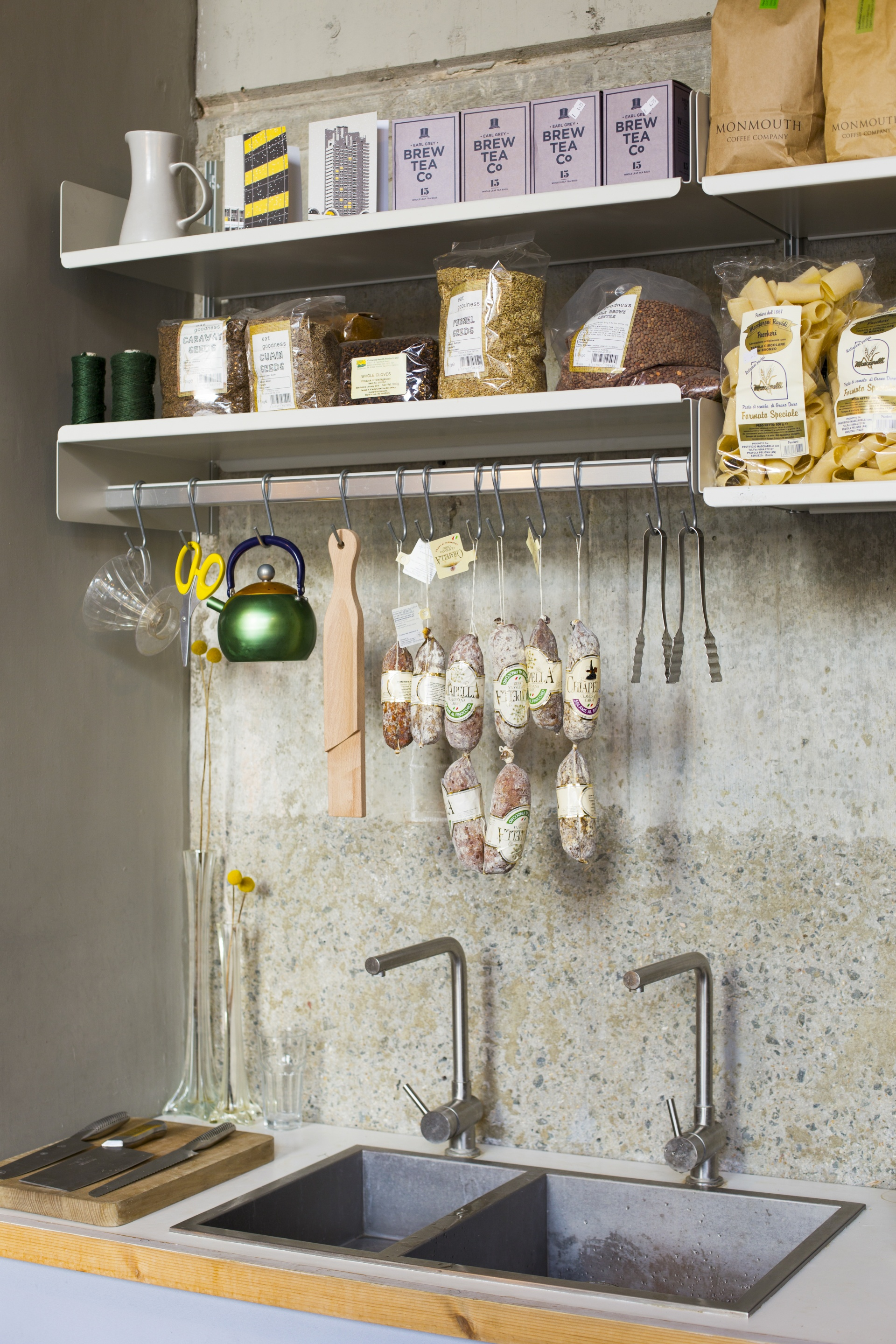 Kitchen/dining with 606 Universal Shelving System