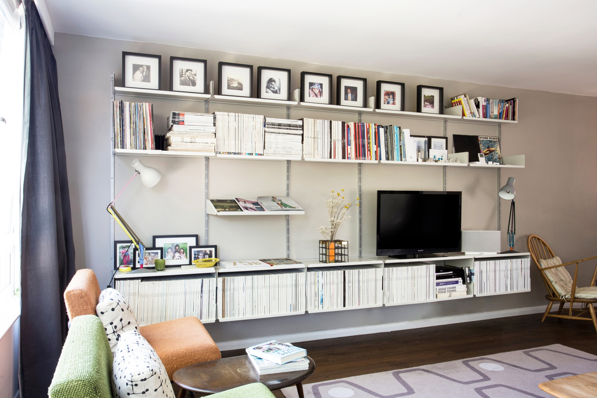 Living room with 606 Universal Shelving System