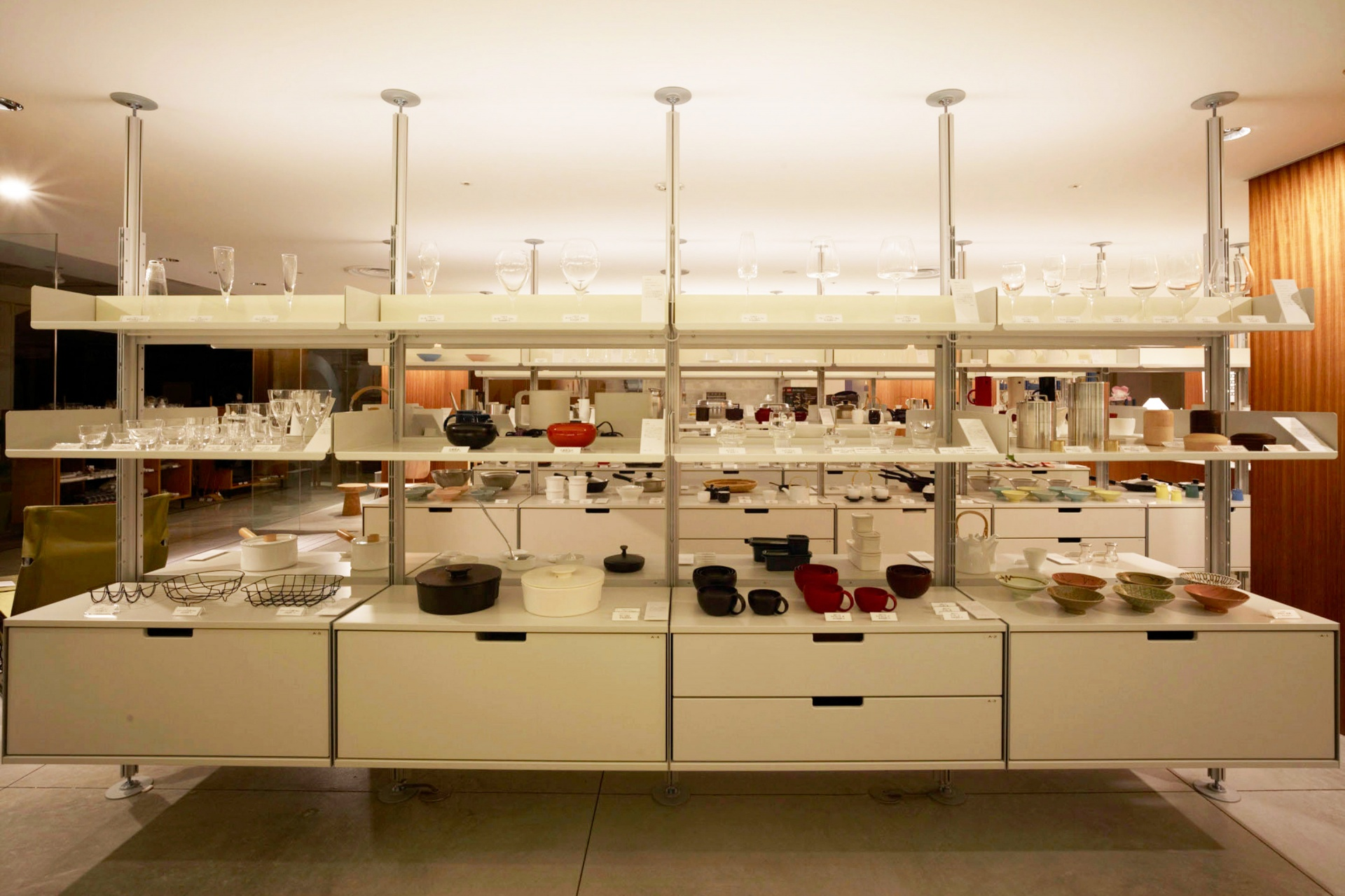 Museum/gallery with 606 Universal Shelving System