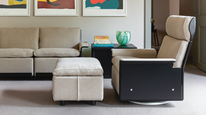Designer modern armchair and footstool. The iconic 620 Chair Programme, Dieter Rams design. Handmade by Vitsœ since 1962